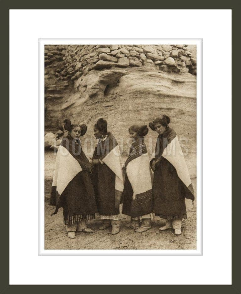 Hano and Walpi girls wearing atoo (The North American Indian, v. XII. Norwood, MA, The Plimpton Press)
