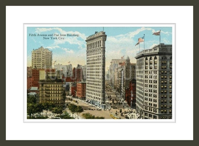 Postcard of Fifth Avenue and Flat Iron Building