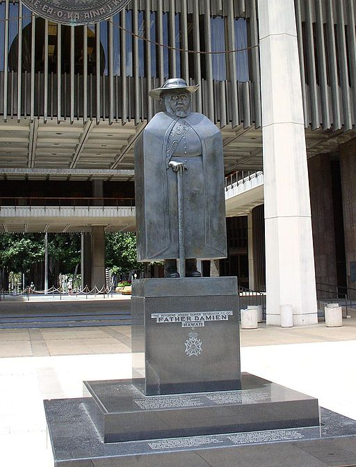 Marisol Statue of Father Damien, photo of sculpture